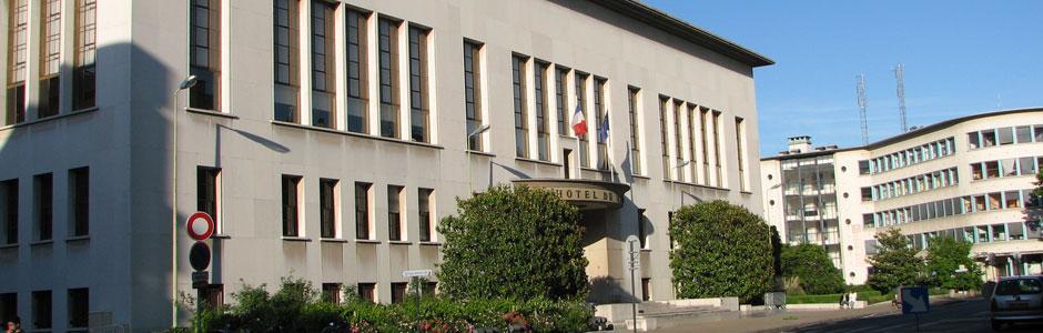 Sur Boulogne-Billancourt ne laissez plus de voiture hors d'usage à l'abandon, Direct-Epave les enlèves et les détruit gratuitement !